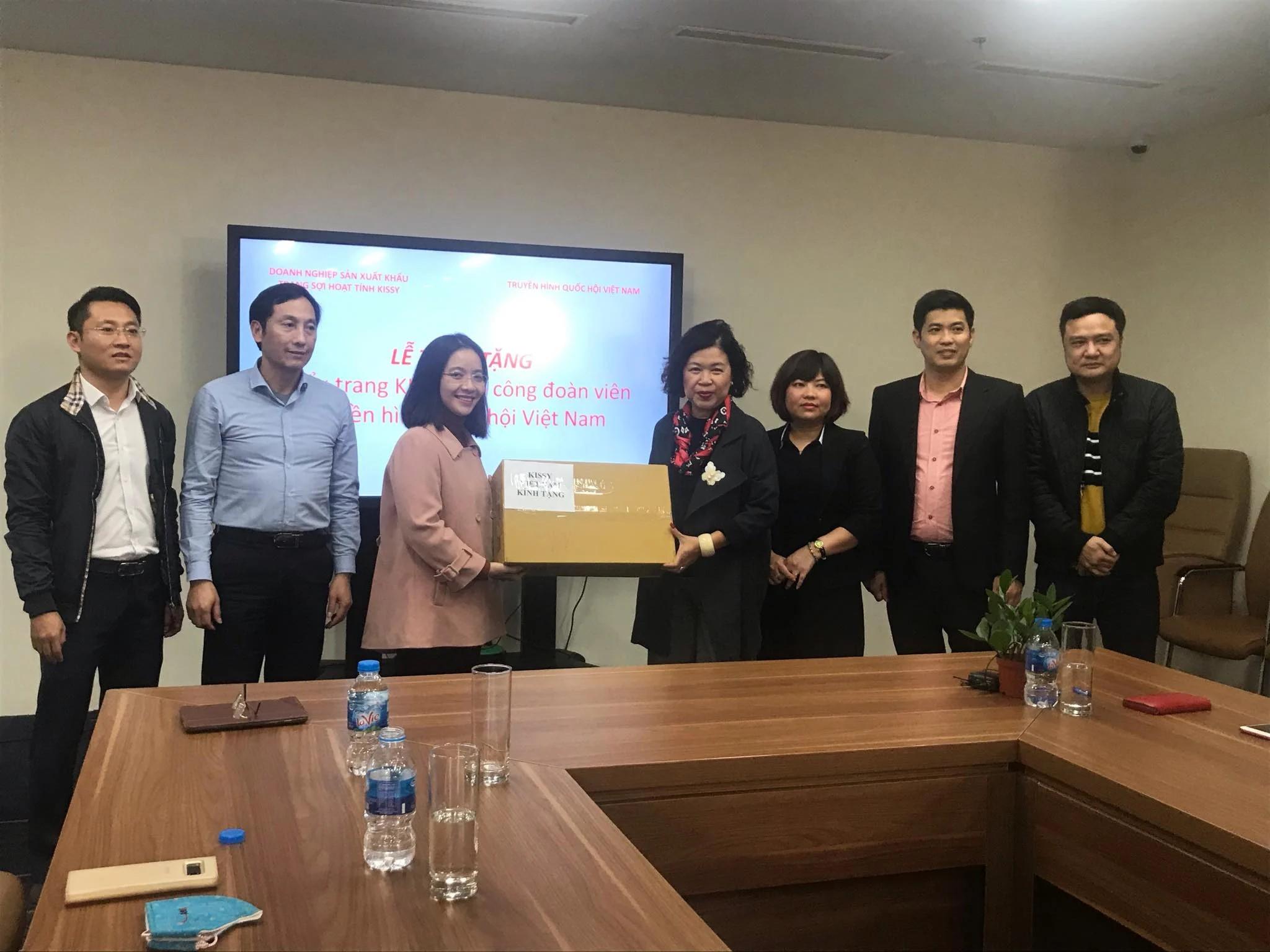 Kissy Việt Nam trao tặng 1000 chiếc cho Công đoàn truyền hình quốc hội